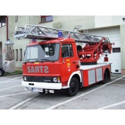 zdjęcie innego modelu pojazdu straży pożarnej